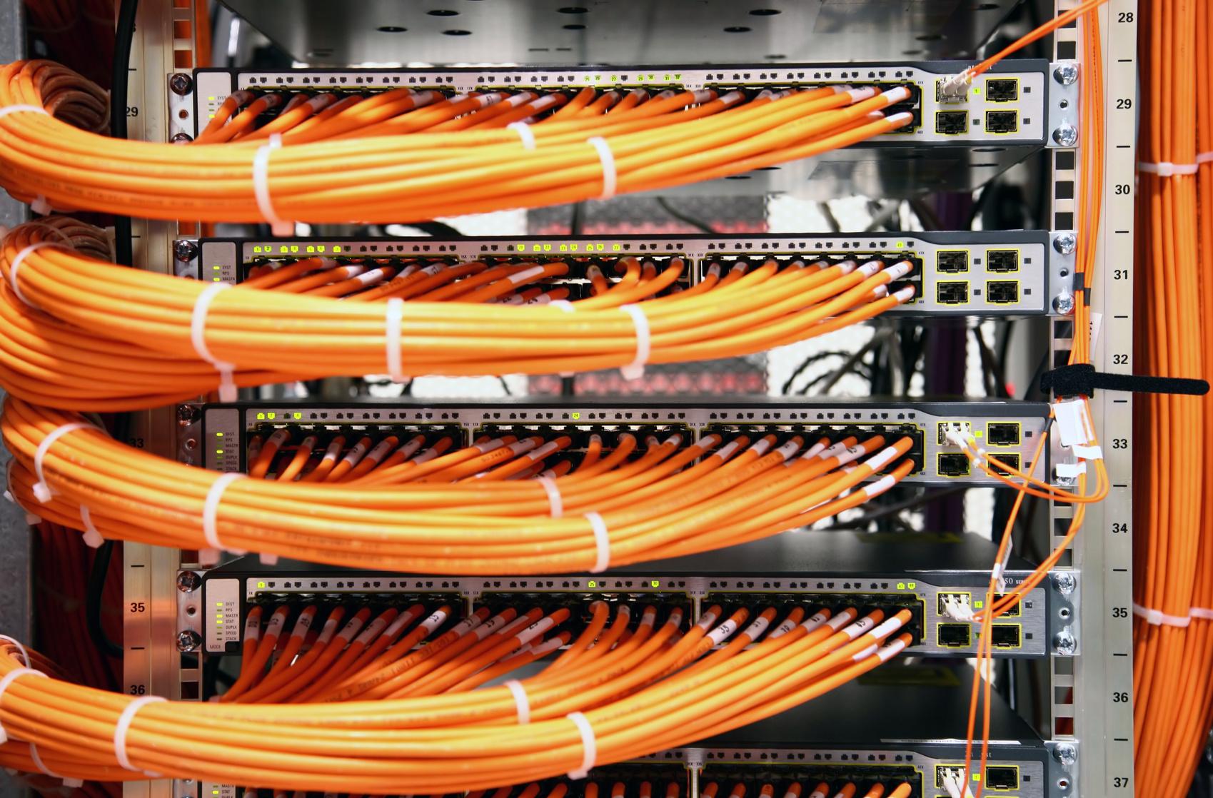 Netzwerk, Universelle Gebäudeverkabelung, UKV, Glasfaser - Tenic AG ...